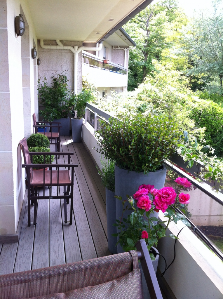 Am nagement paysager d 39 un balcon filant en r gion for Balcons et terrasses de paris